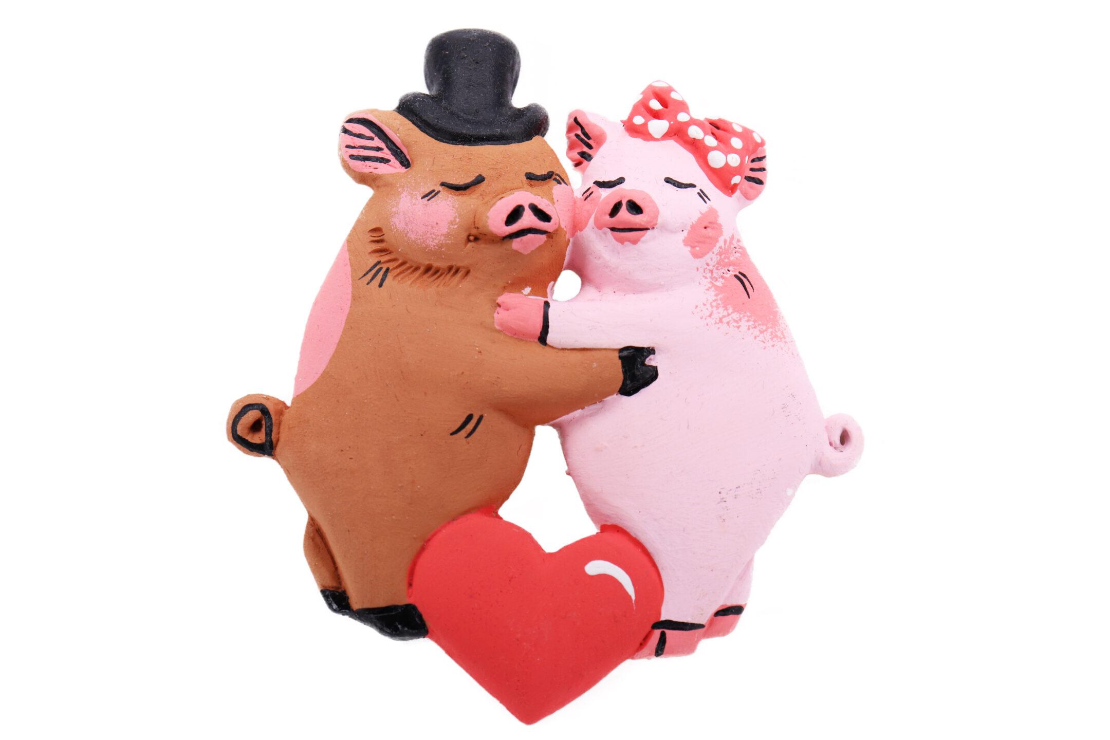 Сувенир-магнит «Влюбленные свинки»